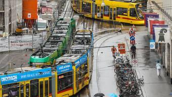 Die Unterlagen, die der bz vorliegen und die bisher offenbar erst eine Handvoll Personen innerhalb des Bau- und Verkehrsdepartements (BVD) und der Basler Verkehrsbetriebe (BVB) gesehen haben, bergen Einiges an Zündstoff.