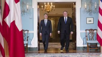 Aussenminister Cassis vor dem Gespräch mit seinem US-Amtskollegen Mike Pompeo im Aussenministerium in Washington.