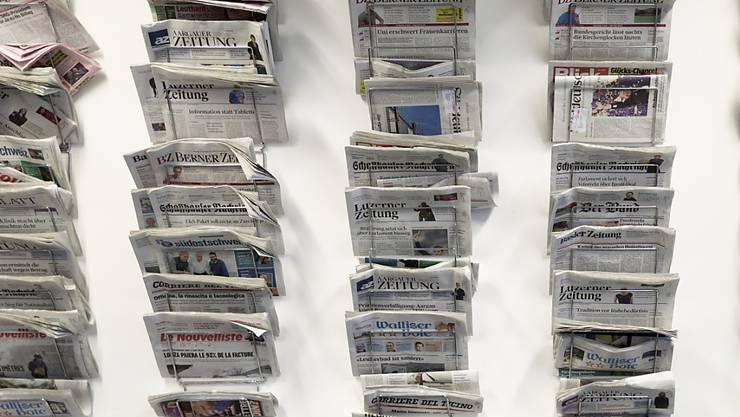 Die neusten Schweizer Sonntagszeitungen schreiben unter anderem über Freihandel mit den USA und verkürzte S-Bahn-Züge. (Symbolbild)