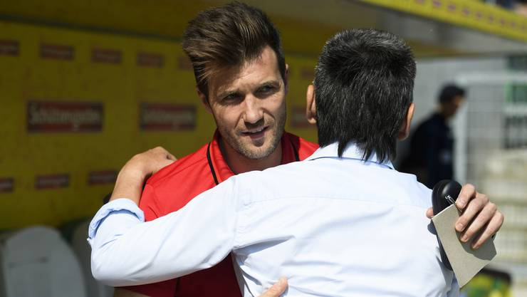 Basels Headcoach Raphael Wicky, links, und St. Gallens Coach Boro Kuzmanovic
