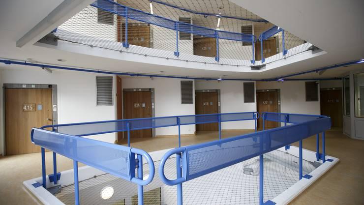 Einblicke in die neue Genfer Haftanstalt Curabilis