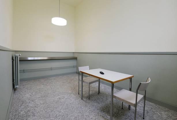 Ein Besprechungszimmer in den neu gestalteten Massnahmestationen