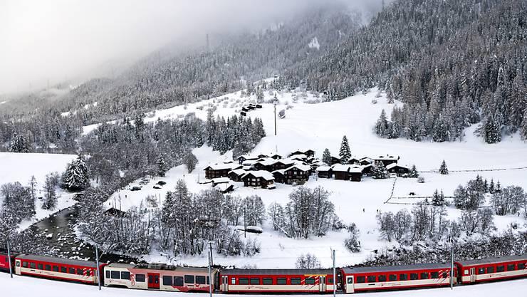 Die Matterhorn Gotthard Bahn (MGB) macht mit der angekündigten Modernisierung der Flotte vorwärts. Sie bestellt beim Ostschweizer Bahnbauer Stadler Rail neue Züge. (Archiv)