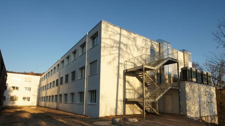 So sieht der dreistöckige Modul-Bau aus, der in Deitingen/Flumenthal ab nächstem Herbst als Bundesasylzentrum dienen wird