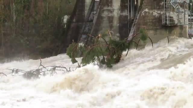 Die Emme bei Biberist führt am Dienstagmorgen viel Wasser