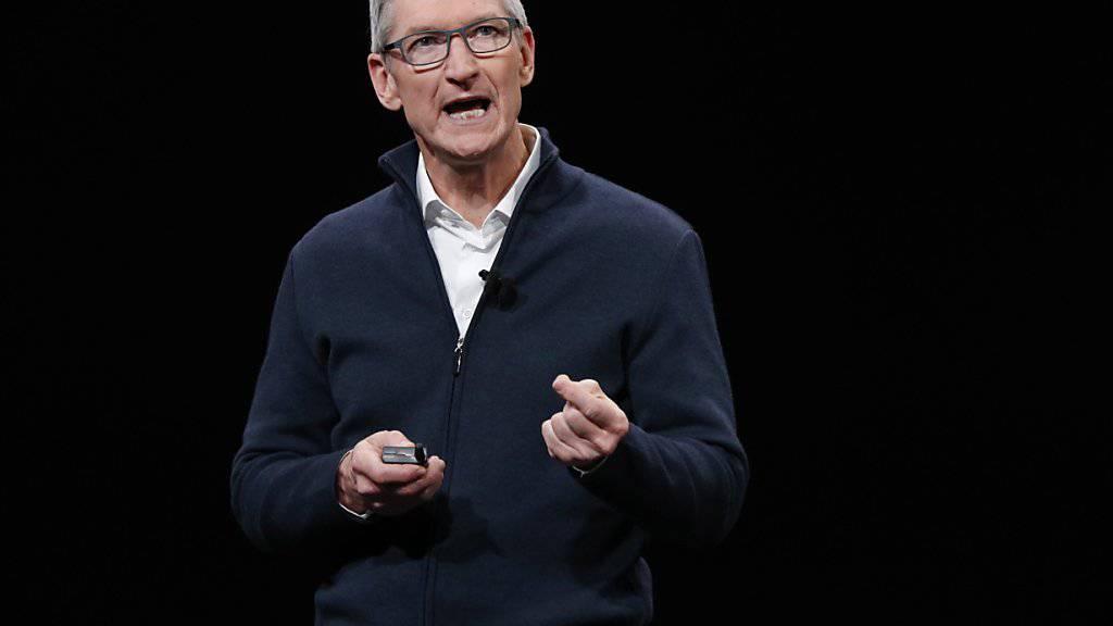 Der Konzernchef von Apple, Tim Cook, will bei Neueinstellungen selektiver vorgehen. (Archivbild)