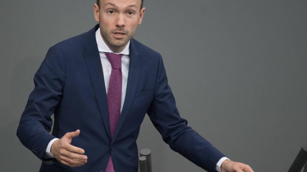 CDU-Politiker Löbel legt unter starkem Druck sein Mandat nieder