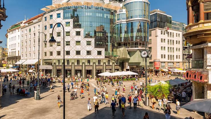 In Wien trifft Moderne auf Historie: Das gläserne Haas-Haus am Stephansplatz.