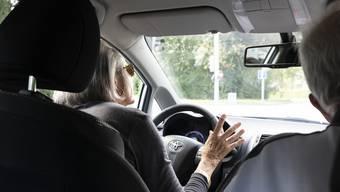Bei San-Mobil engagieren sich private Fahrerinnen und Fahrer für den Personentransport zum und vom Spital.