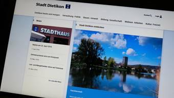 So präsentierte sich die neue Website der Stadt Dietikon am Freitag, wenn man sie sich auf einem Laptop anschaute.