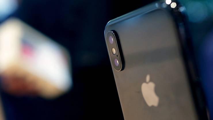 Die iPhone-Verkäufe beflügeln die Quartalsergebnisse von Apple. (Archivbild)