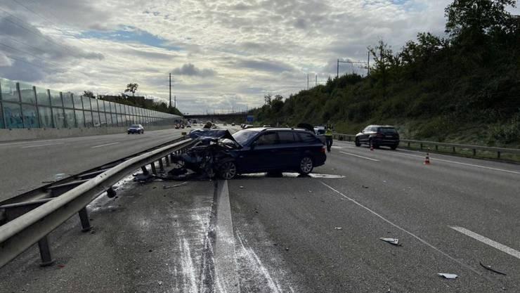 Der Unfall auf der A1 im Ostaargau führte zu Staus. Die Autobahn musste vorübergehend in beiden Richtungen gesperrt werden.