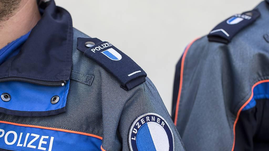 Luzerner Polizei soll Ausländer mit C-Bewilligung aufnehmen