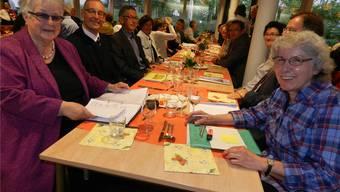 Noch ziehen sie gemeinsam an einem Strick: Vereinspräsidentin MariannePiffaretti (links), Heimleiter Robert Werder, Vizepräsident Urs Meier undMargrit Meier, die abtretende stellvertretende Heimleiterin.