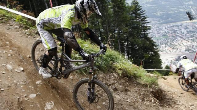 Albrecht auf einer Downhill-Strecke oberhalb von Chur