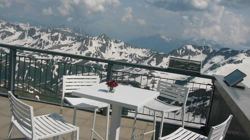Ferientipp: Gemsstock Gipfellounge und Älplerzmorge