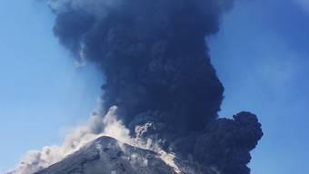Der heftige Vulkanausbruch auf der Stromboli-Insel hat bisher keine Verletzten gefordert.