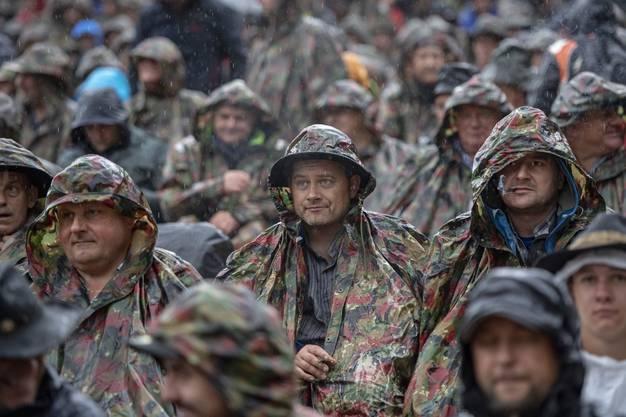 Regenschutz ist für die Zuschauer am Sonntag auf dem Brünig Pflicht.