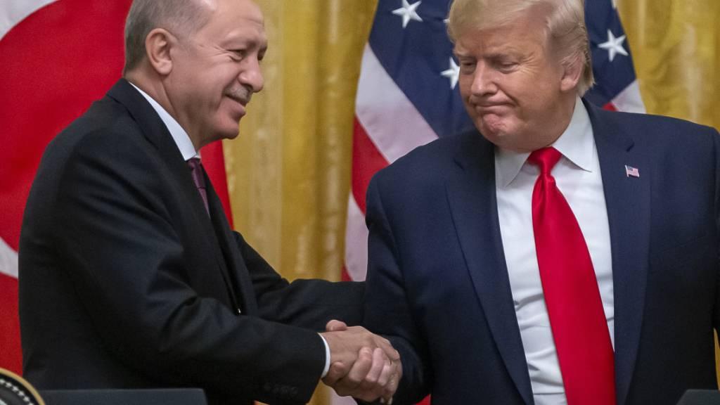 """""""Ich bin ein grosser Fan"""": US-Präsident Donald Trump über den türkischen Staatschef Recep Tayyip Erdogan bei dessen Besuch im Weissen Haus."""