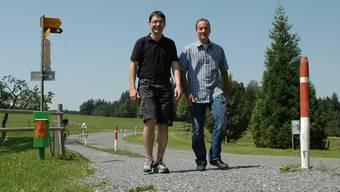 Reto Stuber und Martin Häuselmann starten am nächsten Samstag in Küttigen zum 25-Stunden-Hike. KUS