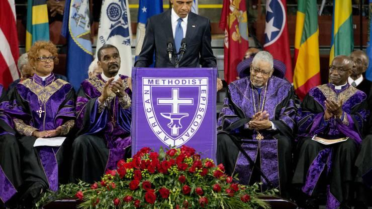 US-Präsident Barack Obama am Freitag bei seiner Trauerrede in der College of Charleston Arena.
