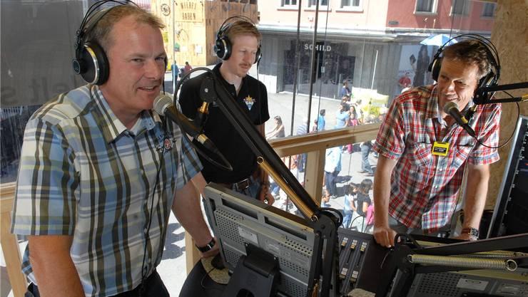 AZ-Redaktor und Gastmoderator Roman Huber (rechts) interviewt den Badener Stadtammann Stephan Attiger.