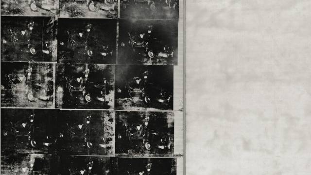 Das Werk zeigt Bilder eines Autounfalls.