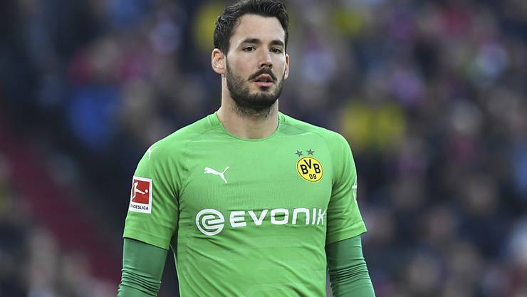Dortmunds Keeper Roman Bürki musste das Training am Donnerstag vorzeitig abbrechen