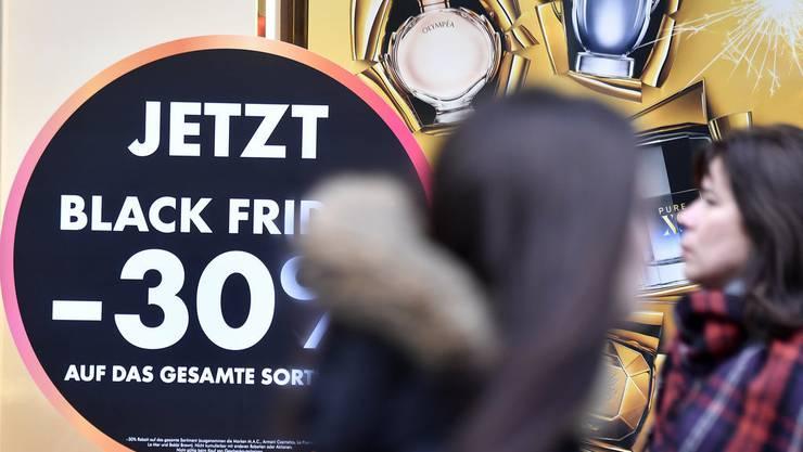 Black Friday an der Zürcher Bahnhofstrasse.
