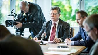 Vizeammann Paul Huwiler am 9. Oktober bei der Pressekonferenz, an welcher der Gemeinderat Wohlen über sein Gesuch an den Regierungsrat zur Suspendierung von Gemeindeammann Walter Dubler informierte.