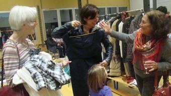 So manch Kleidungsstück fand in Gansingen eine neue Besitzerin. ari