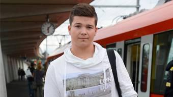 Yannik Truttmann (17) aus Biberist will sich in der Jugendsession mit Datenschutz befassen. «Es ist ein Thema, das uns alle betrifft», sagt er. Hansjörg Sahli