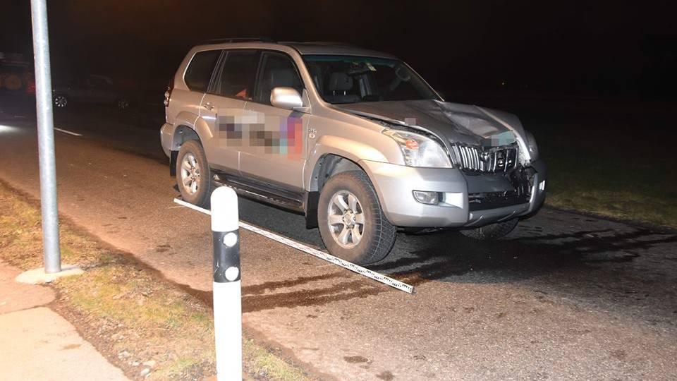 Am Auto entstand Sachschaden, die Frau wurde schwer verletzt.