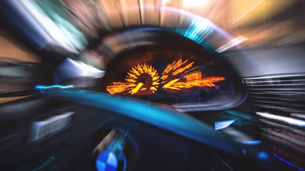 Neulenker mit 172 km/h auf der Autobahn
