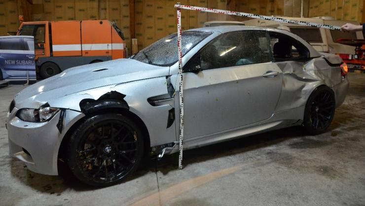 Am Sonntag ereignete sich auf der unteren Hauensteinstrasse in Läufelfingen ein Selbstunfall mit einem Personenwagen.