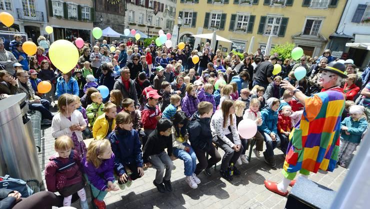Die Berner Kantonalbank BEKB führte ihren 11. Familientag bei strahlendem Wetter in der Solothurner Altstadt durch.