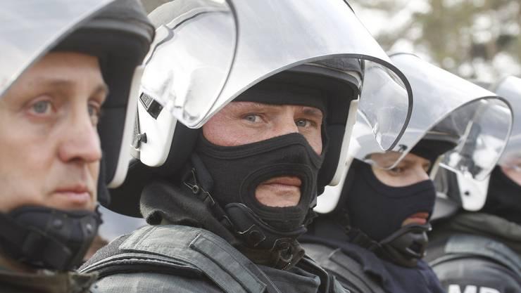 Österreichs Verteidigungsminister Hans Peter Doskozil setzt Soldaten für die Grenzkontrolle ein.