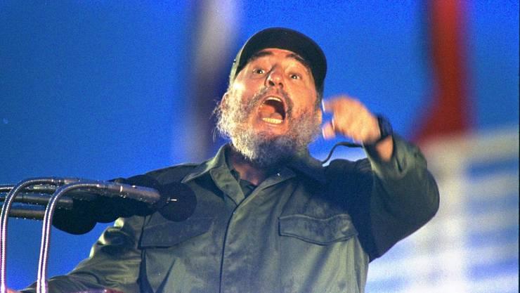 Der bald 85-jährige Castro werde 140 Jahre leben, sagte sein früherer Arzt Eugenio Selman-Housein am Mittwoch (Ortszeit) zum Auftakt einer dreitägigen internationalen Tagung in Havanna.