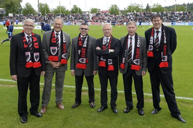 Schmid (2.v.r.) mit den Verwaltungsratskollegen im Aufstiegsjahr 2013