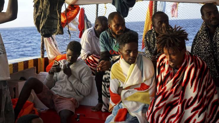 """An Bord des Rettungsschiffs """"Open Arms"""" befinden sich 147 Flüchtlinge und Migranten."""