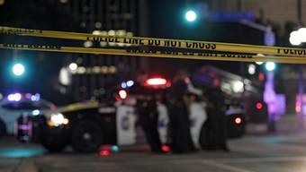 Vier Polizisten getötet während Demonstration gegen Polizeigewalt in Dallas