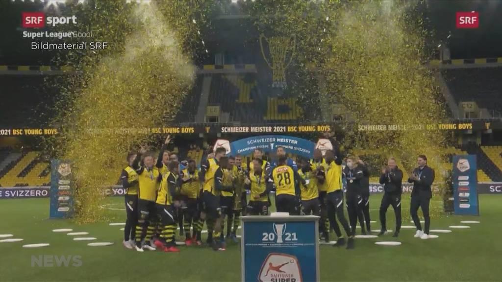 Pokal-Zeremonie im leeren Stadion