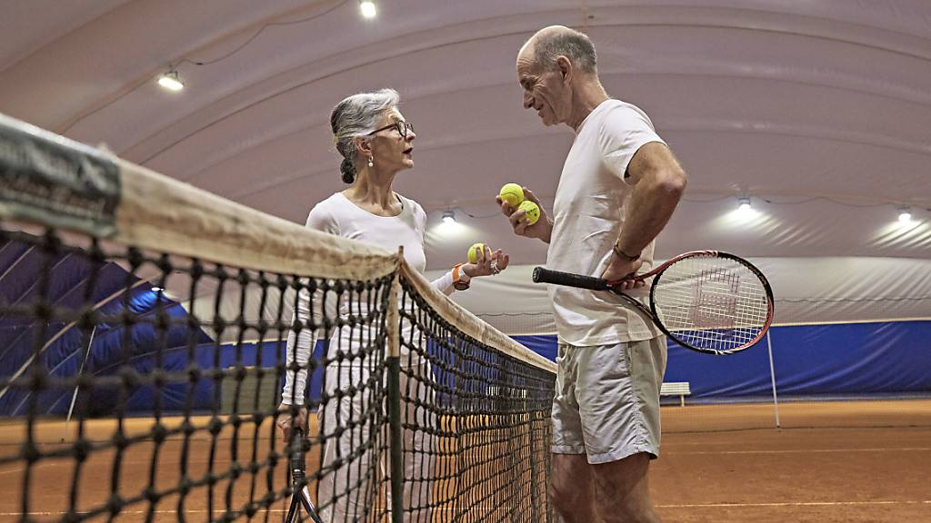 Schweizer wollen früher in Pension, sparen aber nicht genug