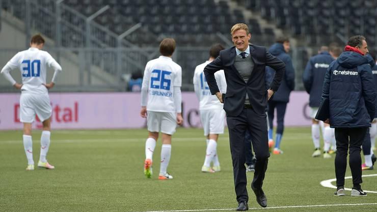 Ein Bild spricht für sich: Trainer Sami Hyypiä und seine Spieler marschieren nicht in die gleiche Richtung.