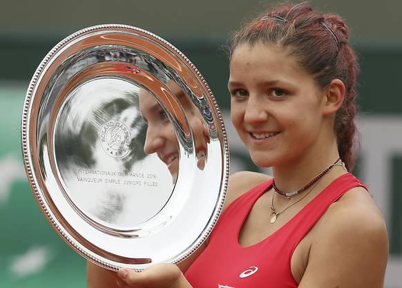 Rebeka Masarova gewann im letzten Juni das Juniorinnen-Turnier am French Open in Paris. Nun wurde sie dafür als beste Schweizer Nachwuchsathletin des Jahres 2016 geehrt