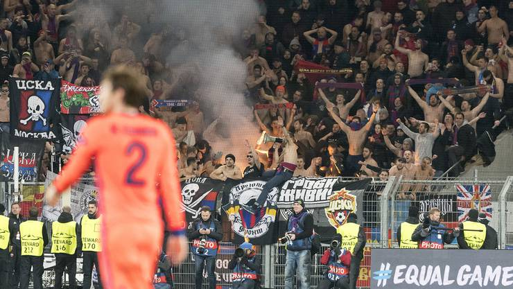 Die Magie im St. Jakob-Park ist verflogen – ZSKA Moskau-Fans jubeln nach dem Sieg gegen den FC Basel.