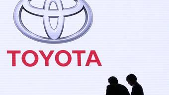 Nach einem Gewinneinbruch sollen bei Toyota im laufenden Geschäftsjahr (per Ende März 2020) wieder die Kassen klingeln. (Archiv)