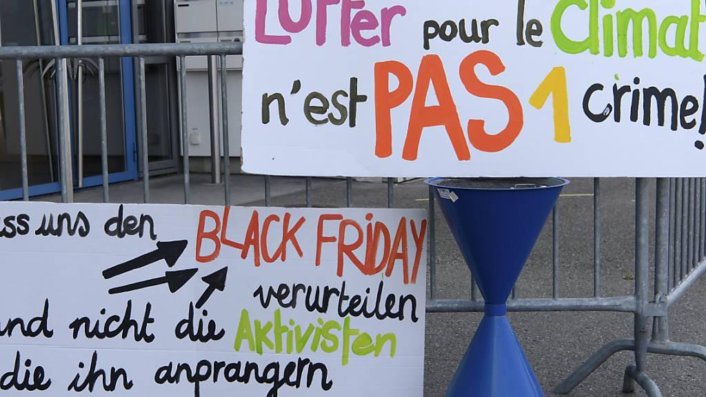 30 Klimaaktivisten wegen Black-Friday-Protest verurteilt