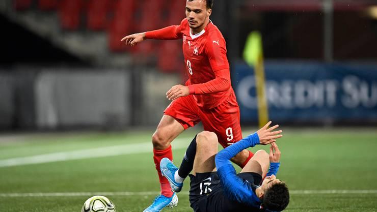 Die Schweizer U21-Nati ist wieder wer: Jérémy Guillemenot (Schweiz) gegen Frankreichs Rayan Ait Nouri.