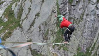 Über der Teufelsbrücke: Der Schweizer Slackliner Samuel Volery schafft den Weltrekord in der Disziplin «Highline».